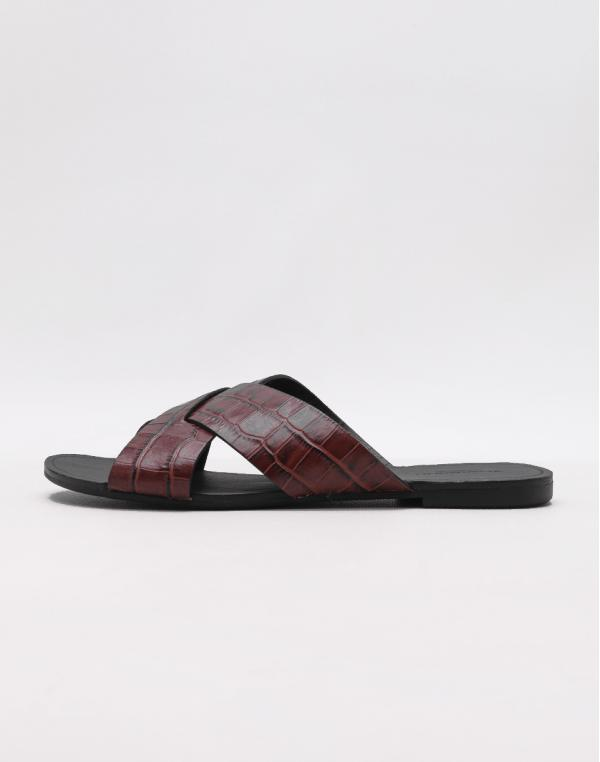 Vagabond Tia Dark Red 37