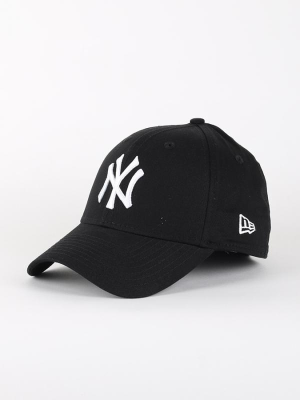 Kšiltovka New Era 3930 MLB League Basic NEYYAN Barevná