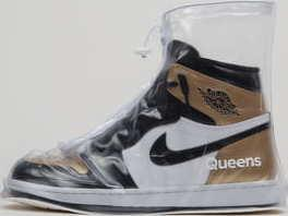 Queens Sneaker Cover