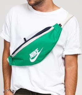 Nike NK Heritage Hip Pack zelená / navy / krémová