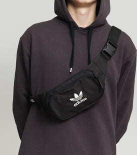 adidas Originals Essential Cbody černá