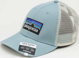 Patagonia P6 Logo LoPro Trucker Hat světle modrá / krémová