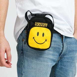 Chinatown Market Smiley Camera Bag černá / žlutá