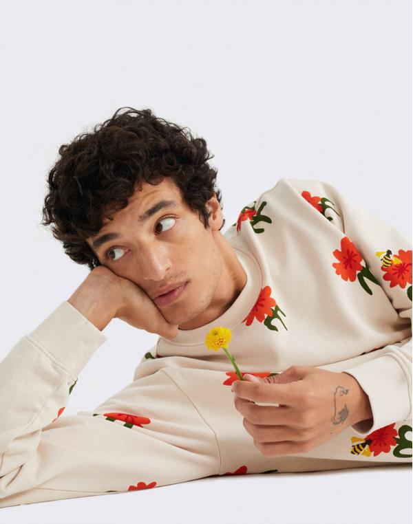 Thinking MU Carnations Sweatshirt BONE L