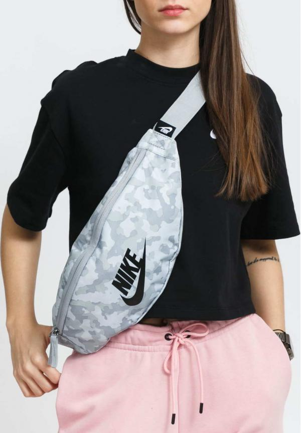Nike NK Heritage Hip Pack - AOP2 camo šedá